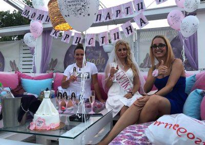 Моминско парти (2)