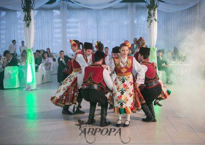 Танци (0)